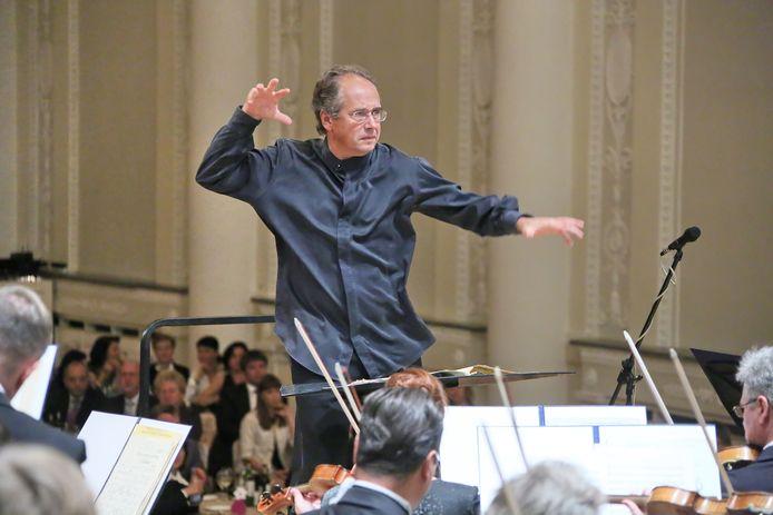 Dmitri Liss dirigeert Philharmonie Zuidnederland.