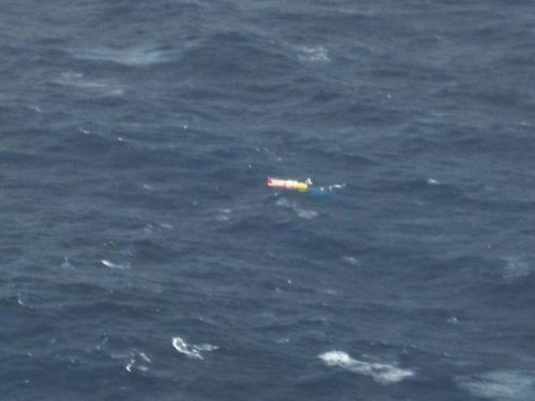Het jacht Wild Eyes van de 16-jarige solozeilster Abby Sunderland. De mast van het schip is gebroken, waardoor de satelliettelefoon geen ontvangst meer heeft. ANP Beeld