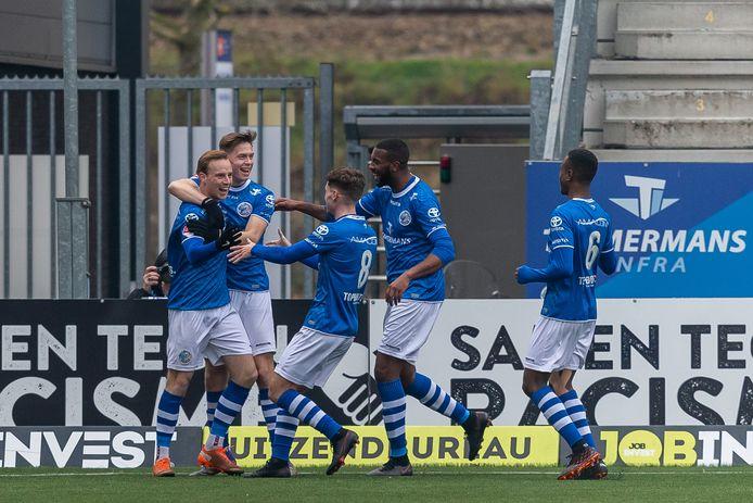 Vreugde bij de spelers van FCDen Bosch na de 1-1 van Romano Postema in de thuiswedstrijd tegen De Graafschap van twee weken (2-3-verlies). Wordt de club op korte termijn overgenomen door het Amerikaanse PMG?