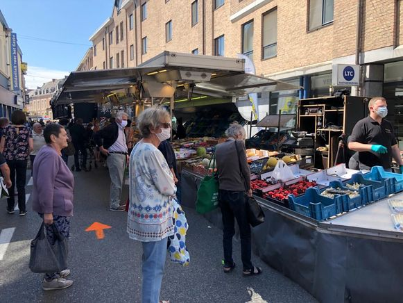 De dinsdagmarkt kende een succesvolle opstart.