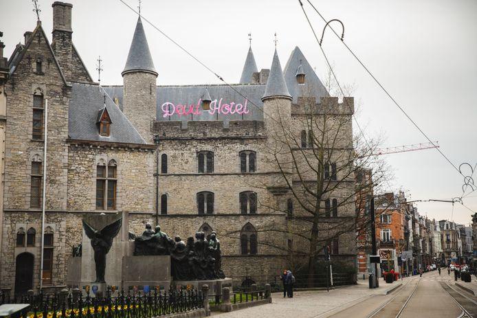 Devil Hotel op het Duivelsteen