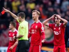 FC Twente laat zich meeslepen in emoties na warrig optreden scheidsrechter Kamphuis