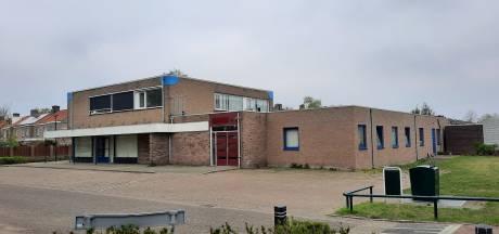 Vroegere buurtsuper en bouwmarkt in Heesch maakt plaats voor vijftien appartementen