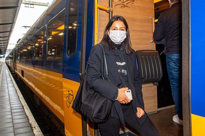 Paula Mosterd uit Amersfoort ziet niks in een verbinding via Amsterdam-Zuid of een sprinter.