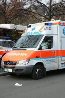 Peuter (3) alsnog overleden na botsing tegen boom in Isselburg