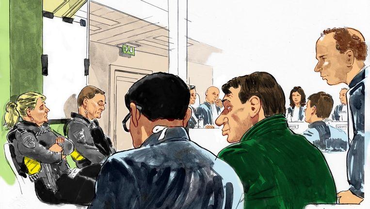 Sonja Holleeder in een afgesloten ruimte tijdens haar getuigenverklaring bij de rechtbank in de zaak tegen haar broer. Beeld anp