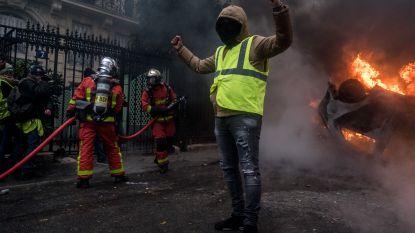 """Franse regering verwacht """"zeer zwaar geweld"""" tijdens nieuwe 'gele hesjes'-actie zaterdag: 65.000 politieagenten gemobiliseerd"""