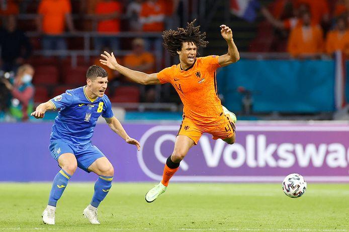 Nathan Aké kan tegen Tsjechië zijn 23ste interland spelen. Daarmee komt hij op gelijke hoogte met Beb Bakhuys.
