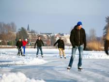 Vrieskou op komst en dus kunnen de ijzers uit het vet, maar ook schaatsen moet op 1,5 meter afstand