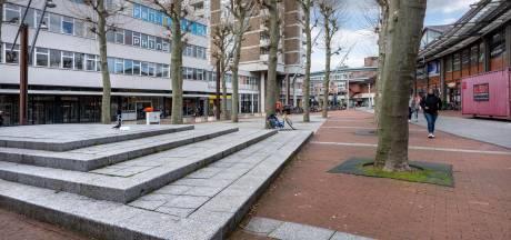 Ook dit grauwe plein gaat op de schop in Den Bosch
