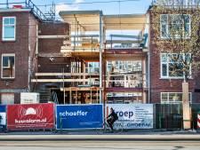 Op verwoeste flatwoningen Jan van der Heijdenstraat zit ruim twee jaar na grote gasexplosie weer een dak