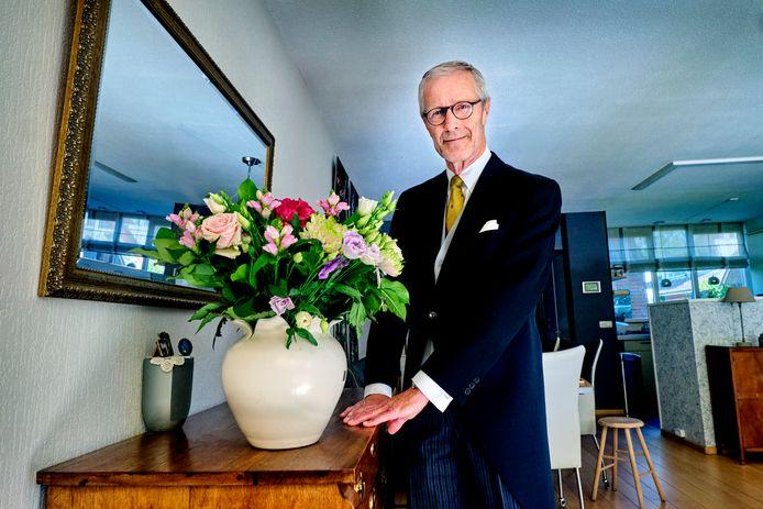 Trouwambtenaar Marien Braber sloot afgelopen weekend zijn vijfhonderdste huwelijk, maar die mijlpaal is geen reden om het rustiger aan te doen.