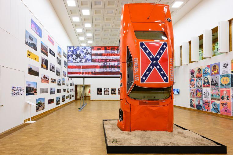 Dit is niet alleen een crash, maar ook een monument voor een 'slaafvrije maatschappij', legt het titelbordje uit. Beeld foto Peter Cox