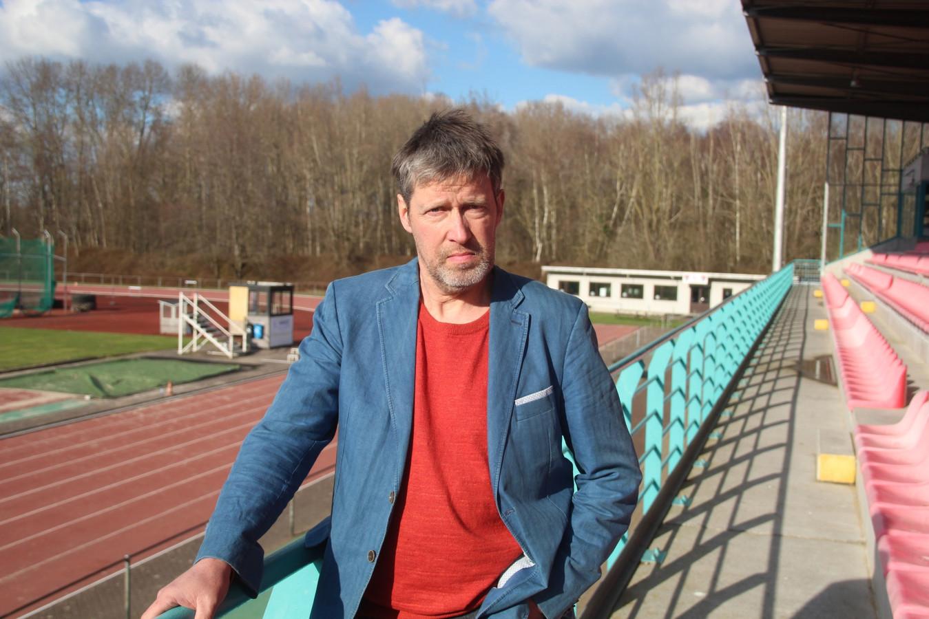 Schepen Dirk Rasschaert (De Coöperatie) bevestigt de gratis overname van de atletiekpiste van Sport Vlaanderen domein Putbos, exclusief tribune en cafetaria.