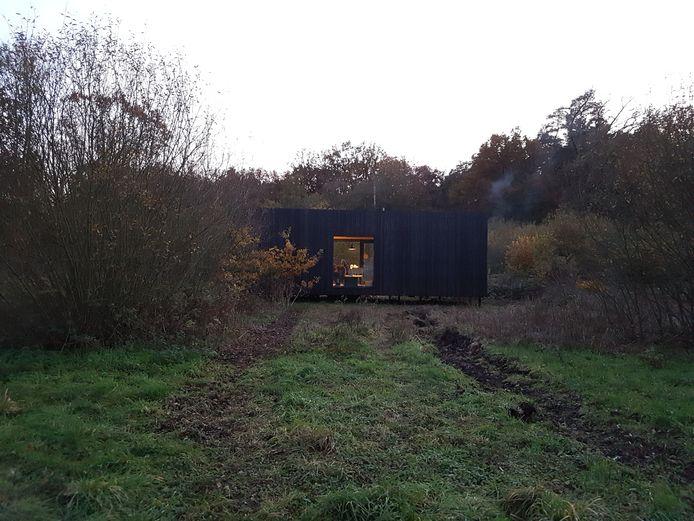 De Slow Cabin bevindt zich in het bosreservaat Helschot in Veerle-Laakdal.