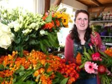 Leny (33) startte haar eigen bloemenzaak: 'Het is heel hard werken, maar dat is het zeker waard'