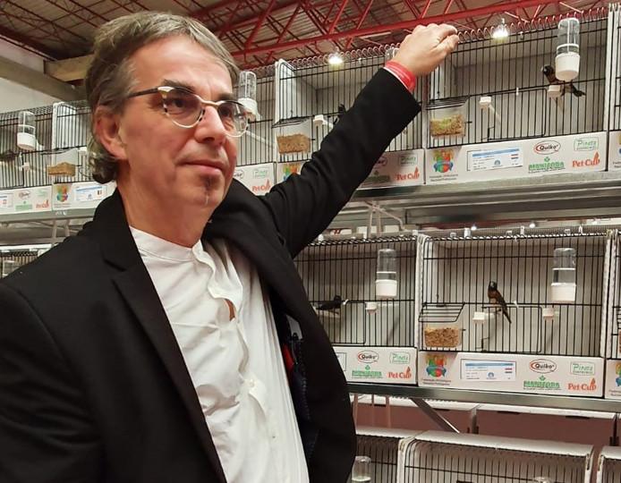 Leon Hoeben is wereldkampioen kweker van bruinborstrietvinken.