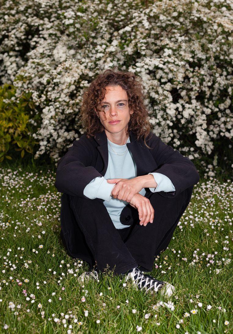 Amsterdam, Watergraafsmeer, 21-05-2021, Mijn Amsterdam, Nina Polak, schrijfster Beeld Nina Schollaardt