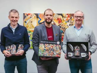 """Nieuw Aalsters koffiebedrijf 'Maximiliaan Koffie' in zee met kunstenaar Gilles Van Schuylenbergh: """"Van 'boein' tot 'zjat'"""""""