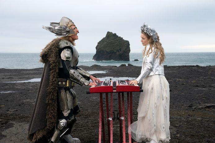 Will Ferrell en Rachel McAdams in EUROVISION SONG CONTEST: The Story of Fire Saga.
