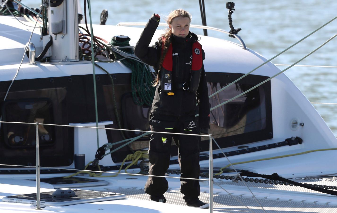 Greta Thunberg komt aan in Lissabon, na een oversteek vanuit New York.