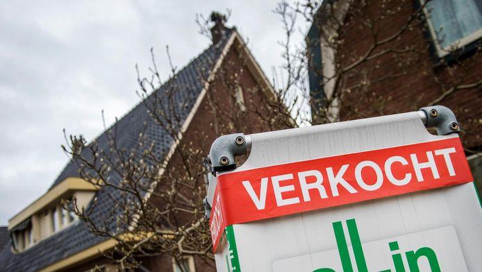 Banken mogen bij nieuwe hypotheken mensen niet langer straffen met een torenhoge boete als ze versneld hun woningschuld willen aflossen.