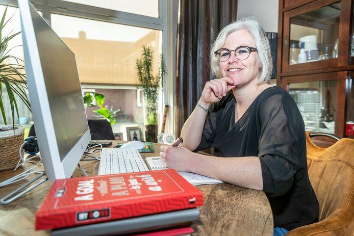 Ellen Kusters uit Neerkant leidt de avonden van de zelfhulpgroep rond burn-outs in Deurne.