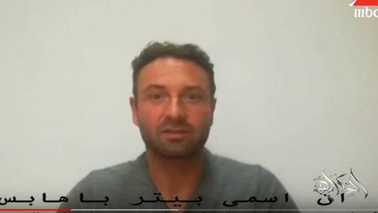 De gearresteerde Nederlander op beelden van de Egyptische televisiezender MBC Masr.   Beeld MBC