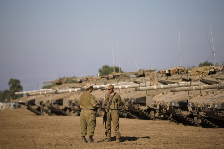Israëlische militairen vlakbij de grens van Syrië. Beeld getty