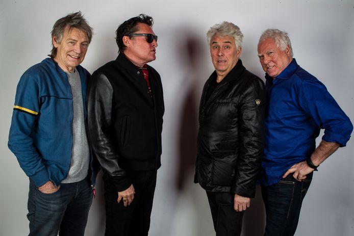 Portret van de Nederlandse rockband Golden Earring met v.l.n.r. Rinus Gerritsen, Barry Hay, George Kooymans en Cesar Zuiderwijk.