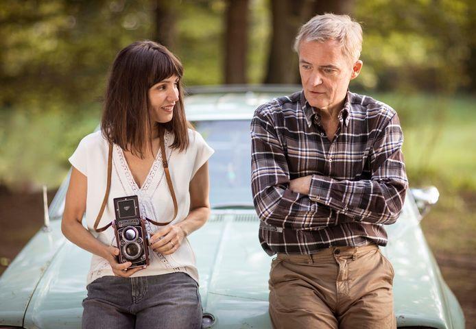 Herman Finkers en Daphne Bunskoek in de film.