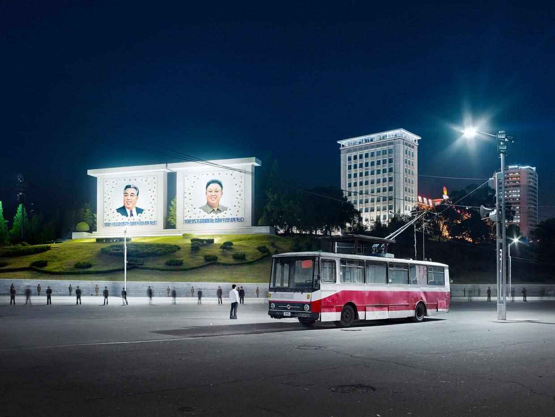 Torenflats die er op afstand modern uitzien dienen als 'bewijs' van de economische groei in Noord-Korea.