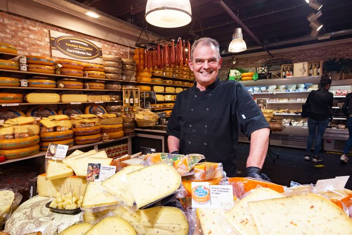 Het Kaashuis Roosendaal van Hans Heeren biedt alles om een kaasplankje mee vol te leggen. Naast kaas ook noten, tapas en andere delicatessen.