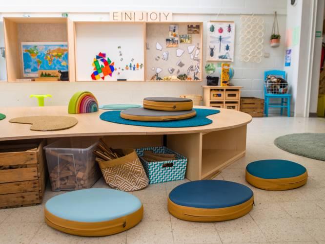 """Vlaamse scholen testen 'kleuterklas van de toekomst', die kinderen meer vrijheid geeft. Pedagoge: """"Veel kleuterklassen zijn nog te klein en te druk"""""""