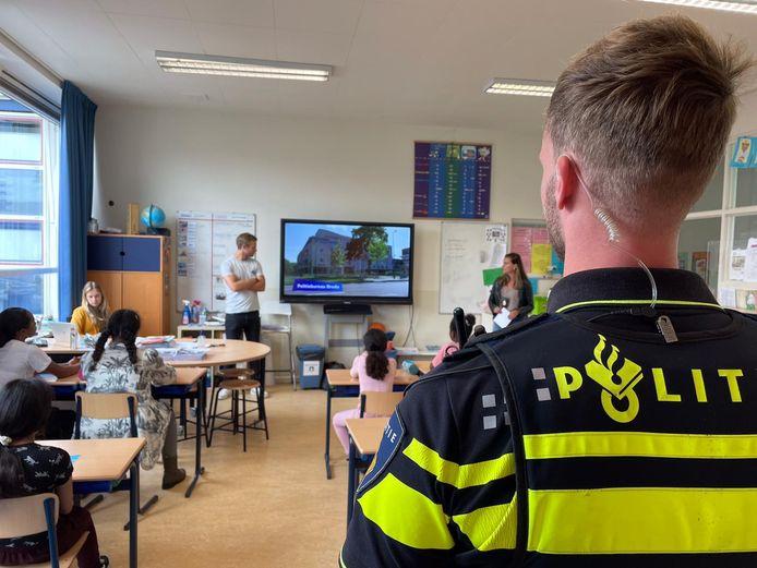 De Gemeente Breda introduceert deze week op de JF Kennedy school de game Hackshield om kinderen zich te leren verdedigen tegen cybercriminaliteit.