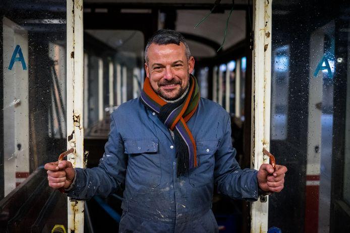 Tram- en busfanaat Stefan Justens.