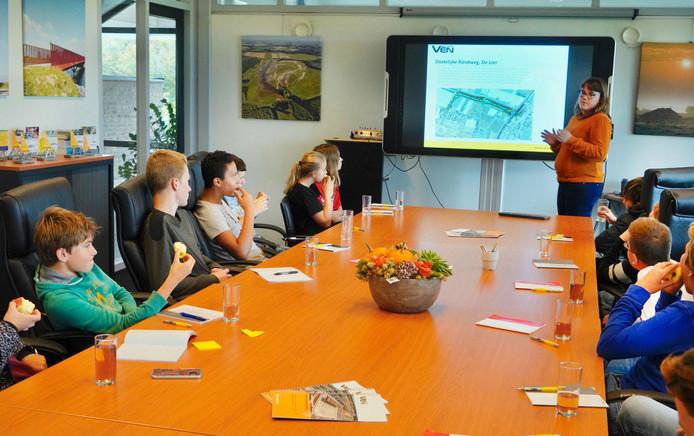 Leerlingen van het Cambium College in Zaltbommel gaan meedenken over een project van Van der Ven in Brakel.