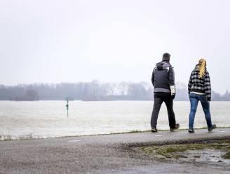 Nieuwe week start wisselvallig: kans op bui met mogelijk een donderslag