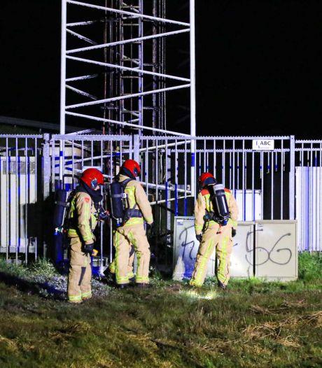 Brand op meer dan tien meter hoogte in telefoonmast naast A67 in Liessel