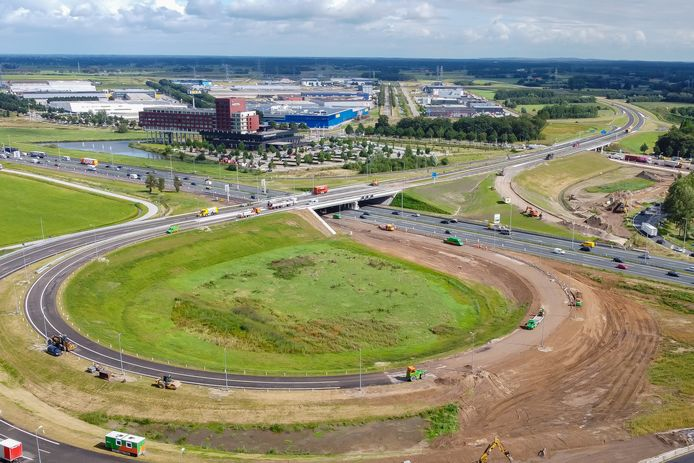 Overzicht van de afsluitende werkzaamheden dit weekeinde bij het nieuwe knooppunt van de N340 en de A28 bij het Zwolse bedrijventerrein Hessenpoort.