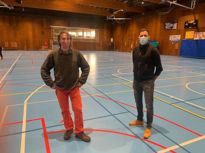 Xavier Desgain (Écolo) et Karim Chaïbaï (PS) au Complexe Sportif de Mont-sur-Marchienne (Charleroi)