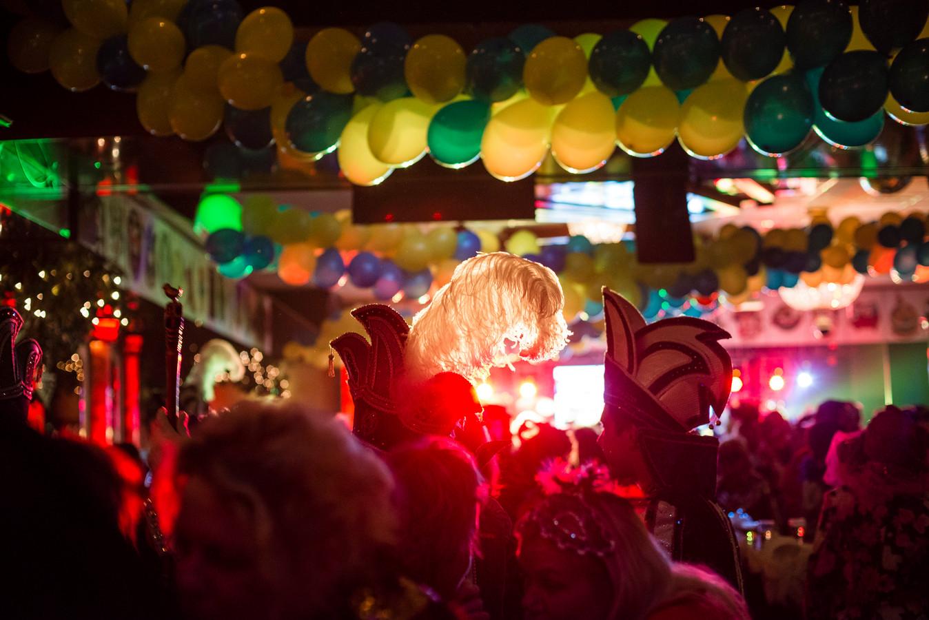 De sfeer was gemoedelijk op carnavalszondag