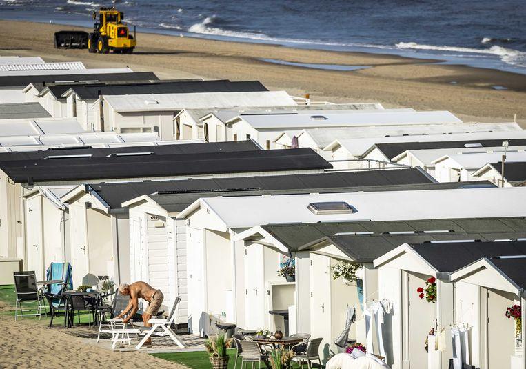 Zandvoort maakt zich op voor warme dagen. In de zomer wordt het coronavirus tegengewerkt door zonlicht, warmte en een hogere luchtvochtigheid. Beeld ANP