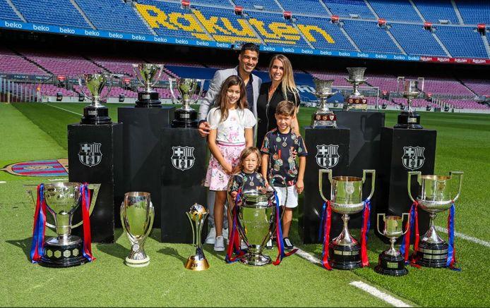 Luis Suárez won in zes jaar FC Barcelona één keer de Champions League, vier keer La Liga, vier Spaanse bekers, twee Spaanse Supercups, één Europese Supercup en één keer het WK voor clubs. Met 40 goals kroonde hij zich ook één keer tot 'pichichi' of Spaanse topschutter.