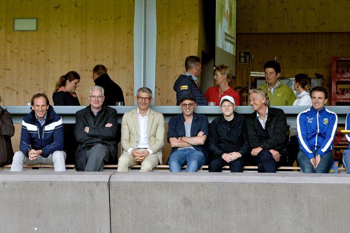 De beleidsbepalers van Vitesse, in 2018, in Oostenrijk voor een oefenduel met Wolfsberger AC. Geheel links oud-directeur Joost De Wit. Daarnaast Henk Parren, Yevgeny Merkel en clubeigenaar Valery Oyf. Geheel rechts Marc van Hintum, destijds technisch directeur van de club.