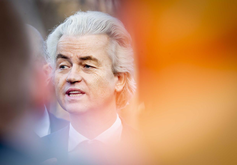 Geert Wilders (PVV) eerder deze maand in gesprek met protesterende boeren op de Koekamp in Den Haag.