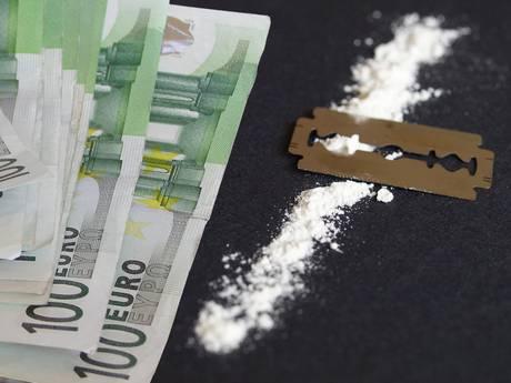 Drugs en wapens gevonden bij cafetaria in Werkendam