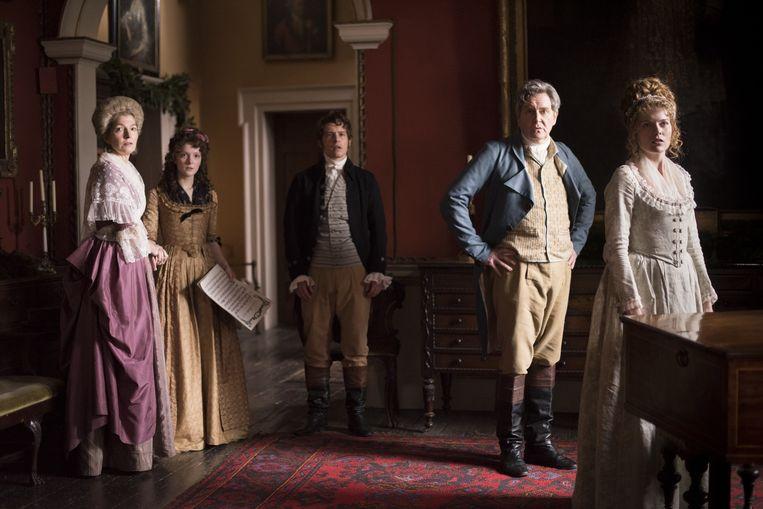 Whitmans komische kijk op de riante Londense kastelen en adel van de 18de eeuw is voortreffelijk. Beeld Churchill Productions Limited