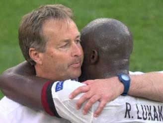 """Lukaku geeft Deense coach meteen na affluiten een knuffel: """"Ik ben hen eeuwig dankbaar"""""""