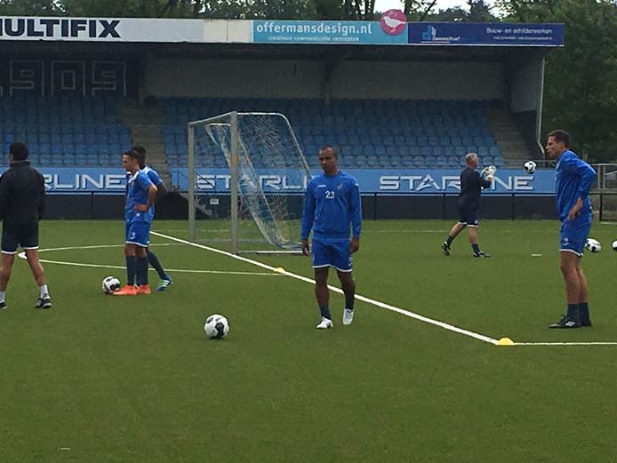 Leonardo traint bij FC Eindhoven